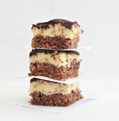 prajitura-cu-cocos-si-ciocolata