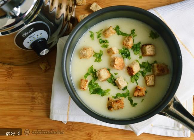 supa-crema-de-conopida-cu-usturoi-107090