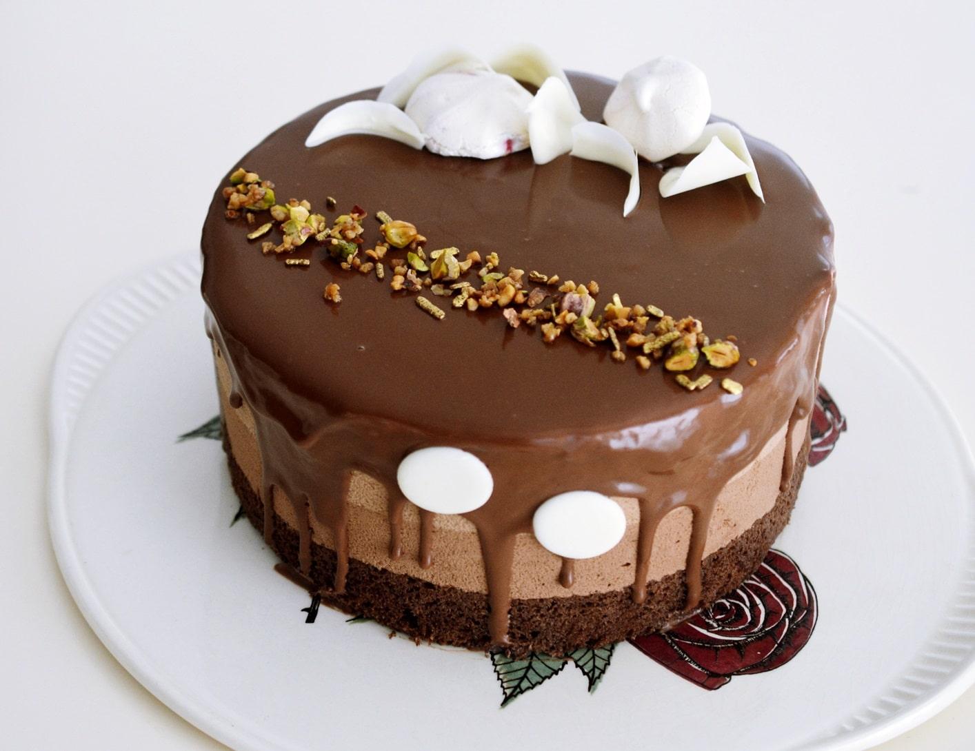 tort-cu-zmeura-si-ciocolata