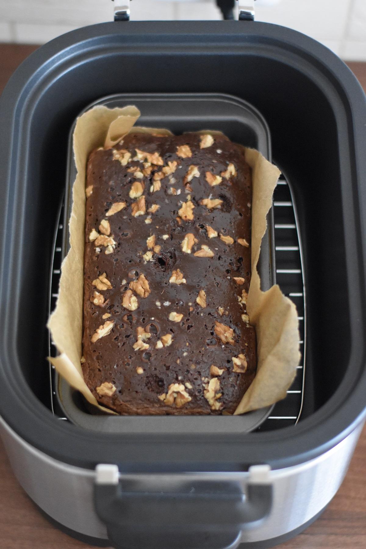 Brownie cu ciocolata si nuci